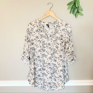 MAURICES Taupe and Black Floral V-Neck Blouse Med